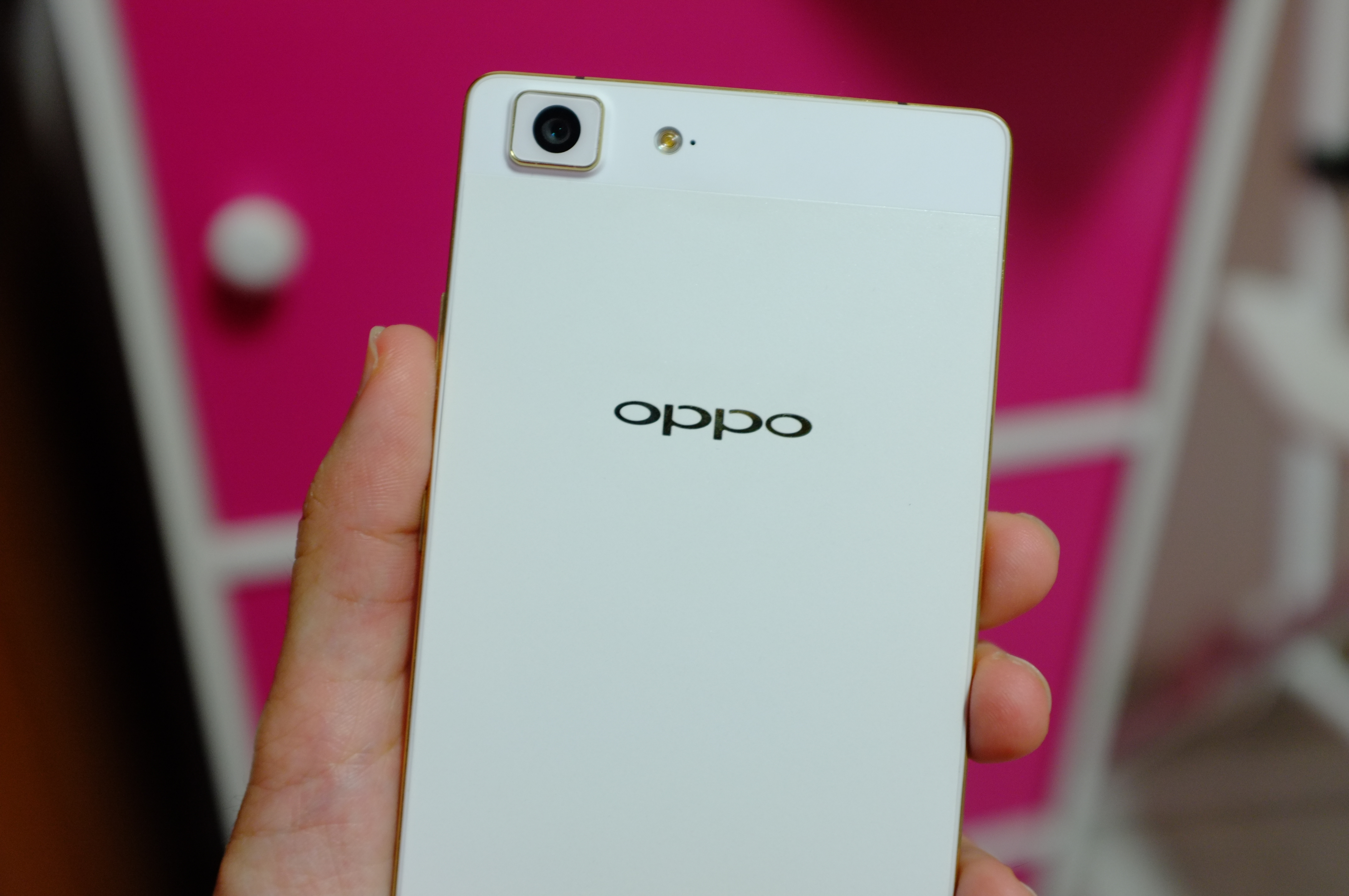 OPPO R5 – The Slimmest Smartphone In The World