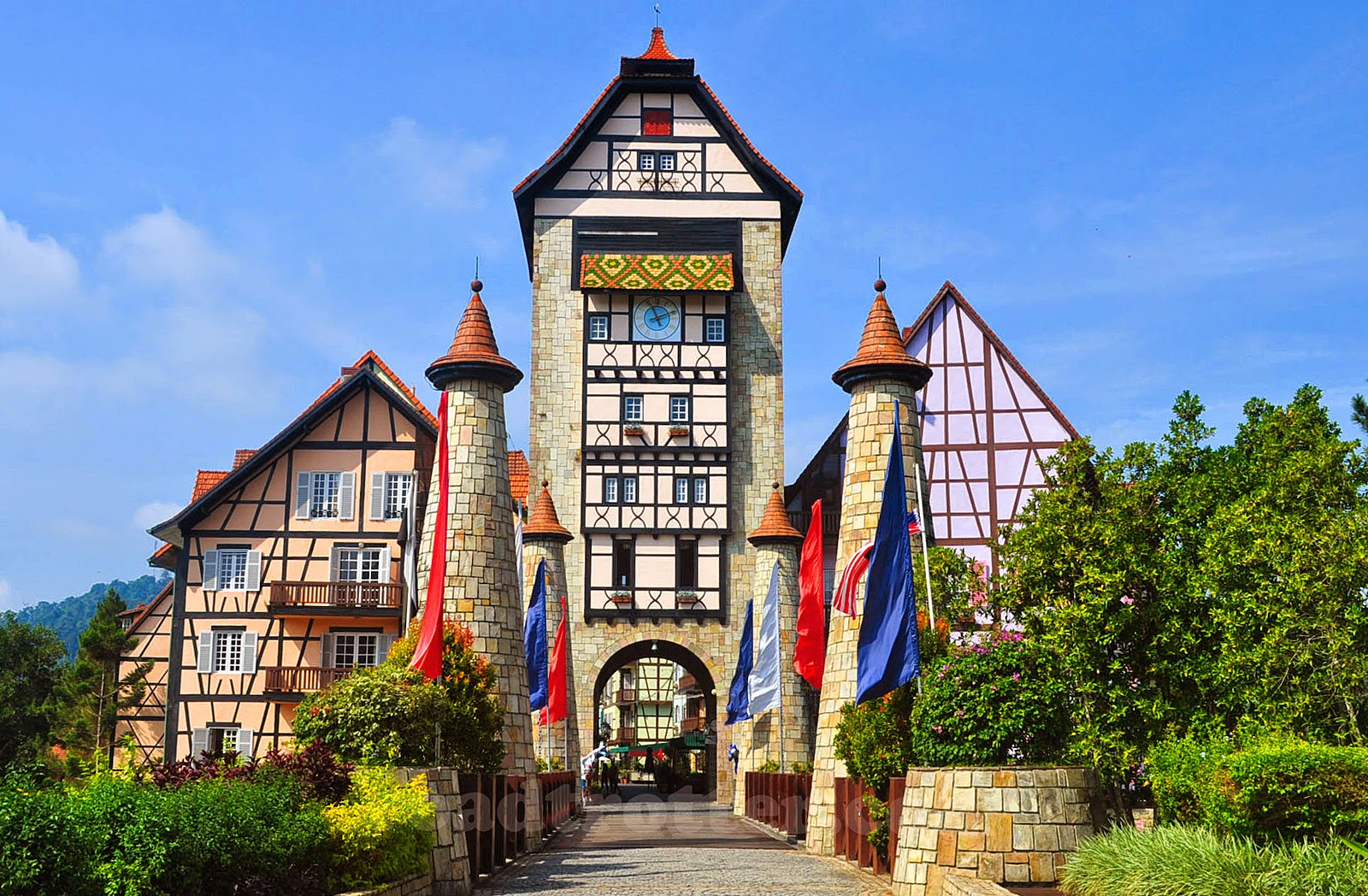 Bukit Tinggi's architectural design makes an amazing backdrop for photos (Image Credit: http://blog.malaysia-asia.my)