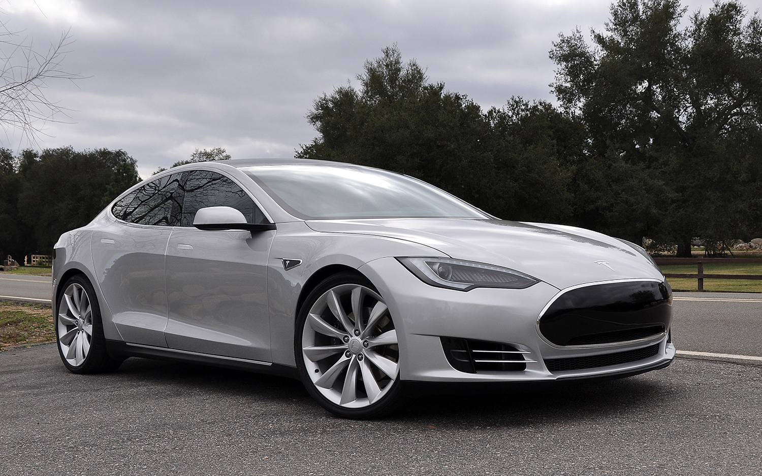 Tesla S Model S And Why Aren T Our Cars Flying Yet