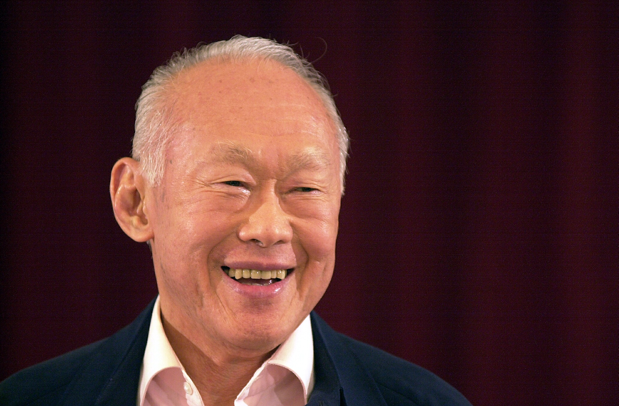 Vulcan Digest: LEE KUAN YEW, Pebble Time, #TheDress And More!
